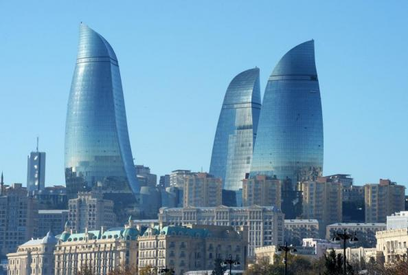 Baku : A city of contrasts