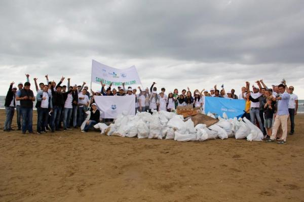 IDEA holds clean up event to celebrate International Coastal Cleanup Day
