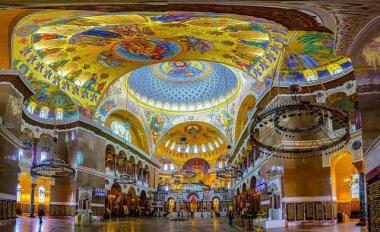 کلیسای جامع دریایی در شهر کرونشتات در روسیه